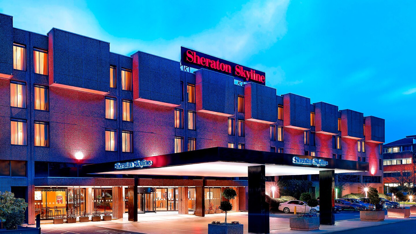 Sheraton Skyline Hotel London Heathrow-min
